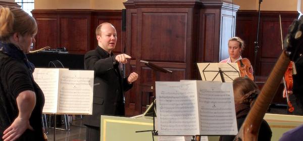 Pawel Siwczak directing Royal Academy of Music baroque ensemble